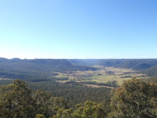Flatrock Lookout - Some of the best views on the GNW at Watagan Creek Valley