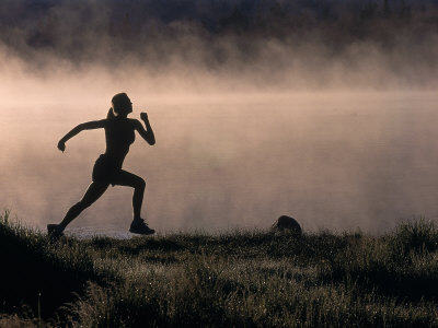 woman-silhouette-running