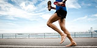 Does running barefoot cause less injuries?
