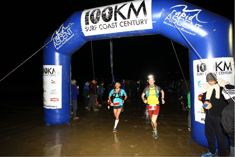 Ben running along the beaches of the South Coast in the first 21kms of the SCC (Photo by Supersport Images)